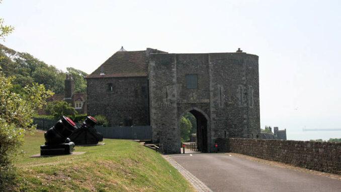 Dover-Castle_0235_Torhaus-2