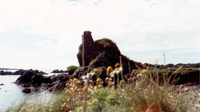Dunyvaig-Castle_001