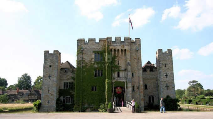 Hever-Castle_1430_Frontalansicht