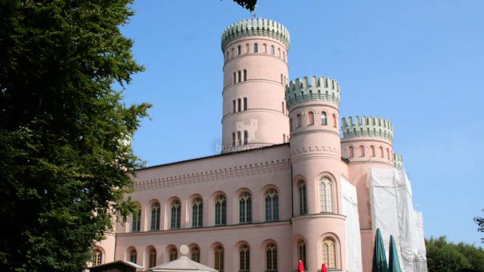 Jagdschloss-Granitz_7968_Seitenansicht