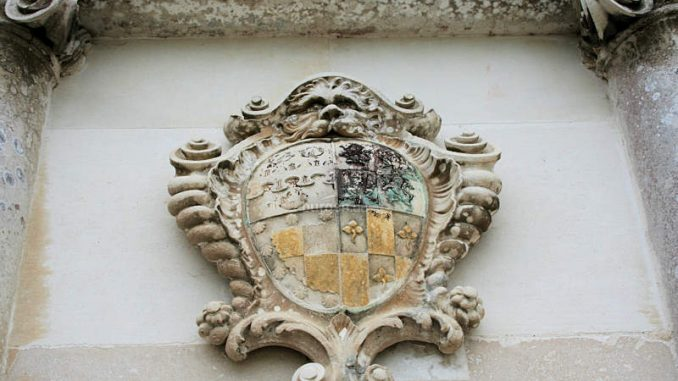 Lulworth-Castle_1345_Wappen