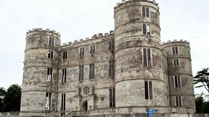 Lulworth-Castle_1347_Wuchtbrumme