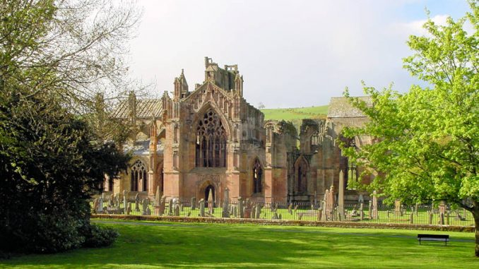 Melrose-Abbey_0104_kv