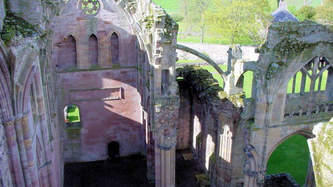 Melrose-Abbey_0112_Details-von-oben