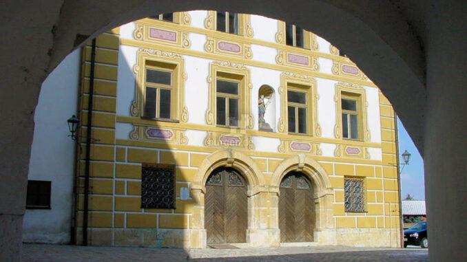 Neuburg-Donau_0017_Detail-Innenhof