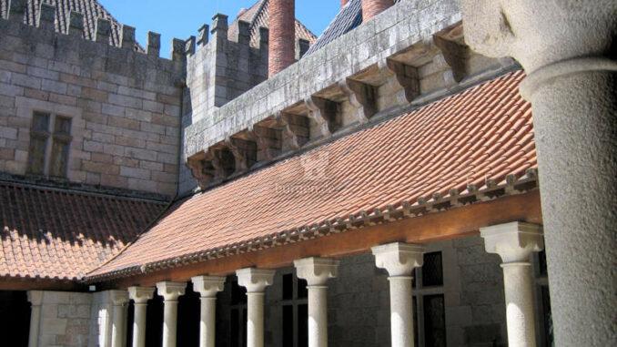 Paco-dos-Duques-de-Braganca-Guimaraes_7795_Dach-2