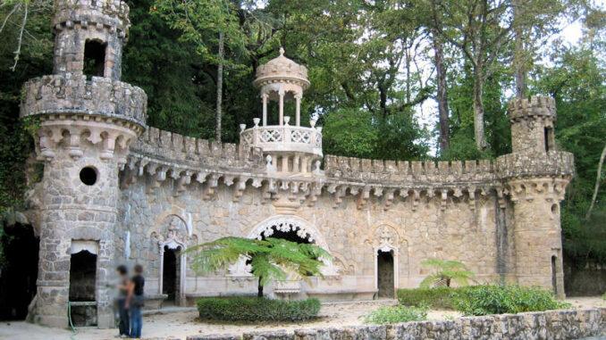Palacio-e-Quinta-da-Regaleira_8245_Brunnen-im-Park