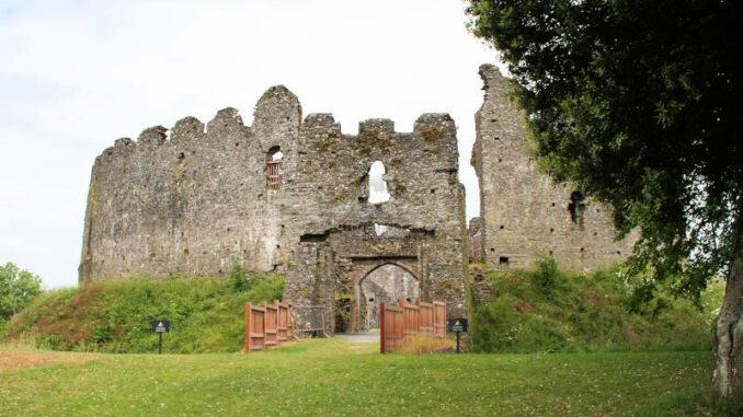 Restormel-Castle_1142_Eingangstor
