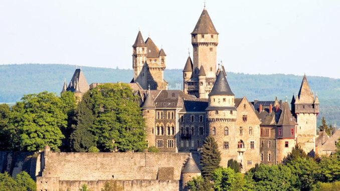 Schloss-Braunfels_Panorama