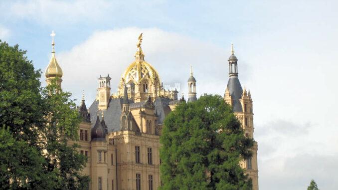 Schloss-Schwerin_7942_Goldene-Kuppel