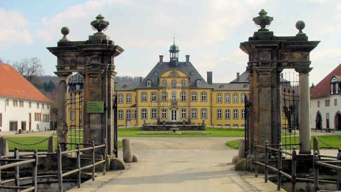 Schloss-Soeder_Tor_0036