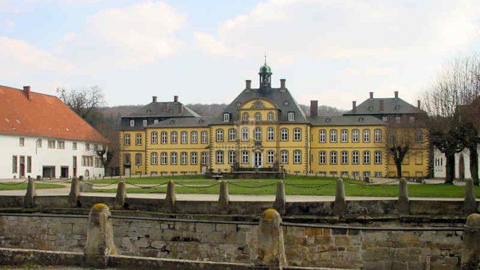 Schloss-Soeder_Vorderseite_0032