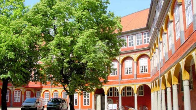 Schloss-Wolfenbuettel_Innenhof_0026