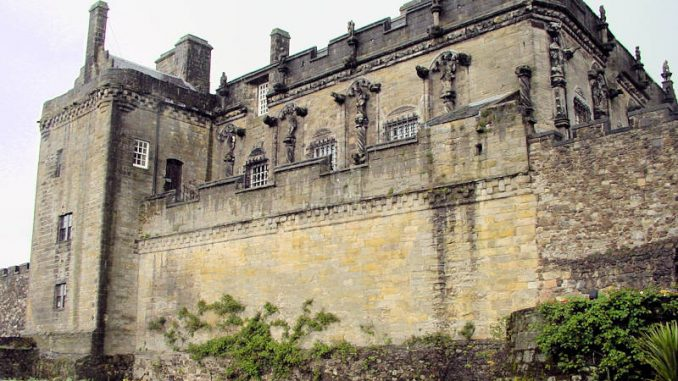 Stirling-Castle_0019_Palas-nah