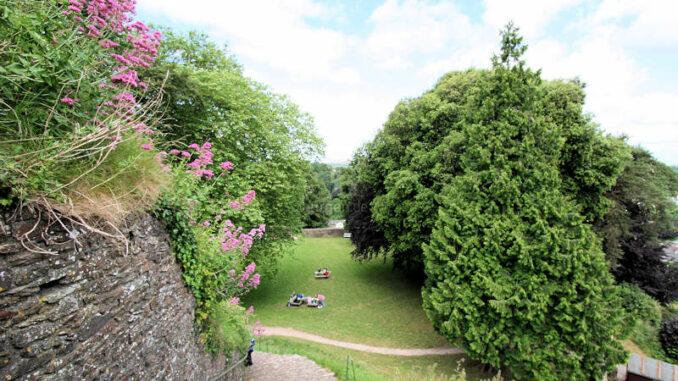 Totnes-Castle_1198_Aufgang