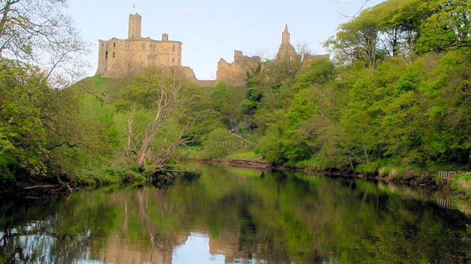 Warkworth-Castle_0102_Panorama-vom-Fluss