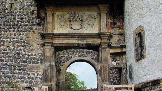 Burg-Stolpen_0057_Tor-mit-Wappen
