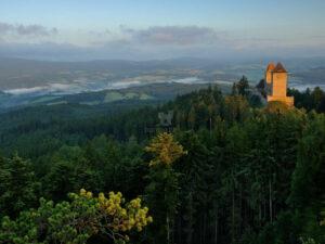 Burg Kašperk im südlichen Böhmerwald; Dagmar Veselková_(c) CzechTourism