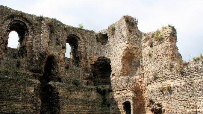 Canterbury-Castle_7525_Innenansicht-Palas