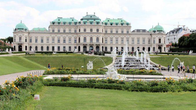 Wien-Belvedere_9303_Brunnen