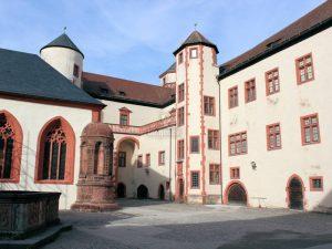 Feste Marienberg; Ansicht Innenhof und Kapelle
