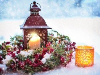 Photo by Foter - Weihnachtsschmuck im Schnee