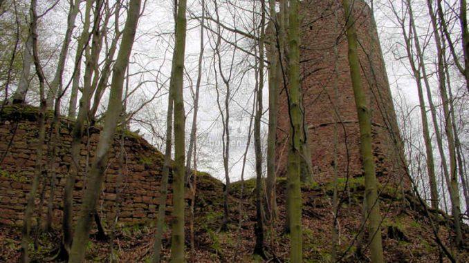 Bramburg_Fragmente-Schildwall_0061