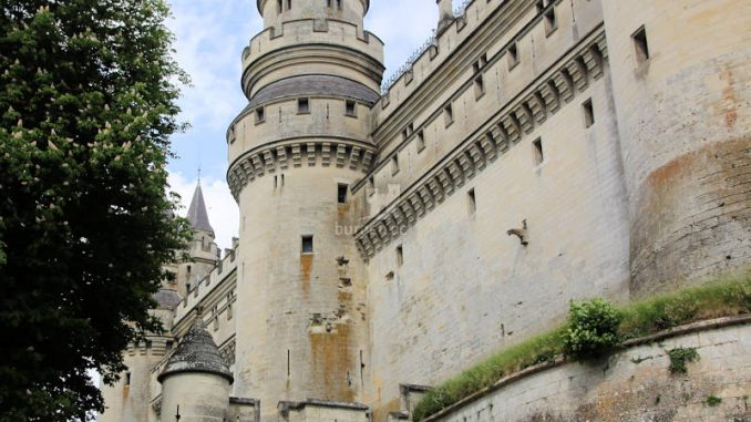 Chateau-Pierrefonds_2555_Schildwall