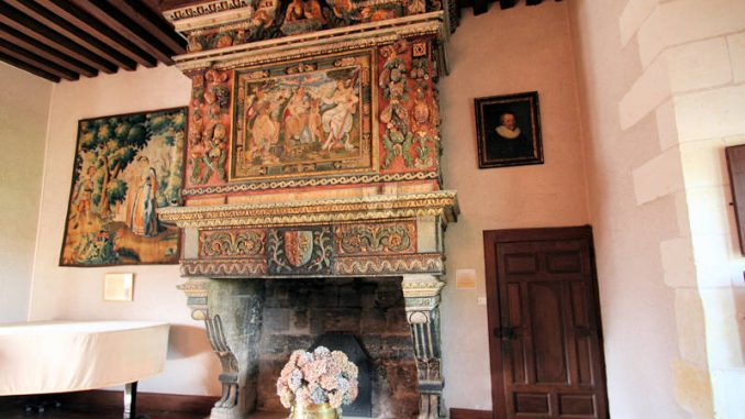 Chateau-de-Goulaine_8447_Kamin