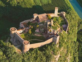 Luftbild Schloss Sigmundskron, Südtirol (c) MMM & Georg Tappeiner