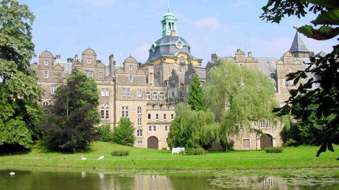 Schloss-Bueckeburg_Parkblick
