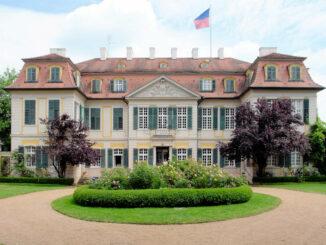 Schloss Dennenlohe, Bayern - Frontalansicht
