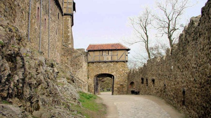 Burg-Falkenstein-Harz_Tor-2_0053