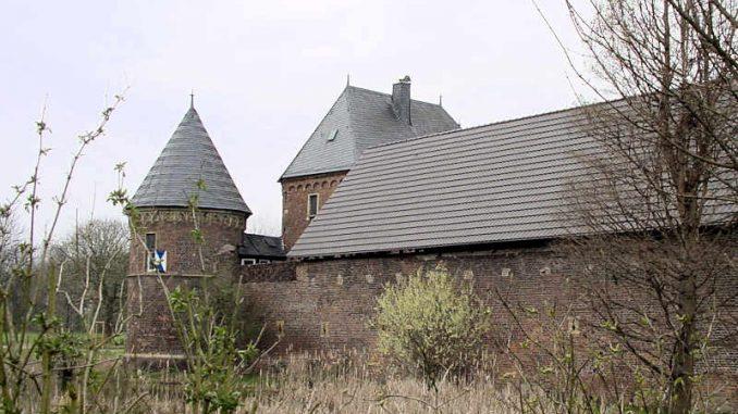 Burg-Vondern_Seitenansicht_0014