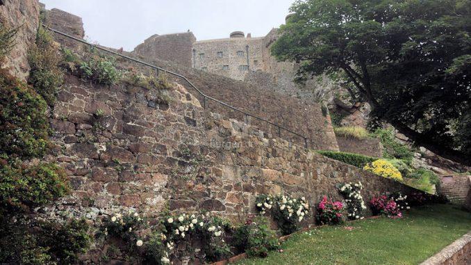 Mont-Orgueil-Castle_0299_Aufgang