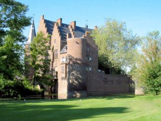 Schloss Konradsheim, Blick aus dem Park - (c) D. Neisse