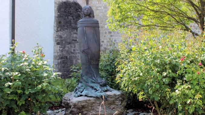 Vohburg_2747_Statue-Agnes-Bernauer
