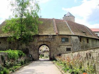 Schloss Westerburg (Sachsen-Anhalt) - Torhaus und Brücke
