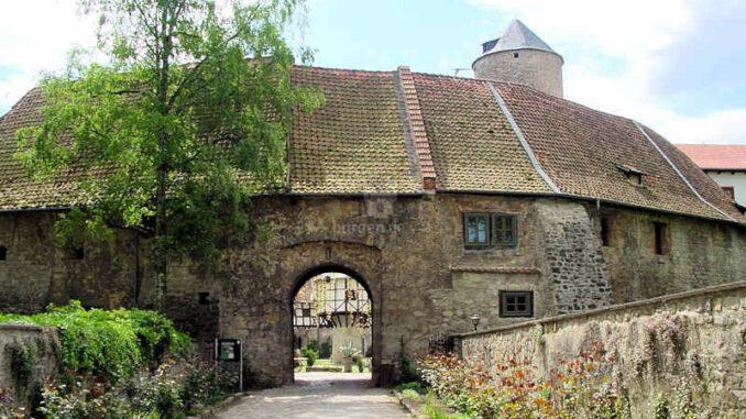 Westerburg_ueber-die-Bruecke_0044