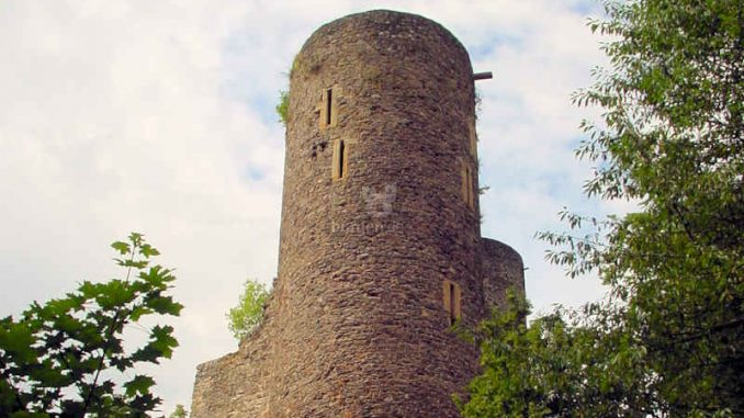 Frauenburg_Bergfried_0065