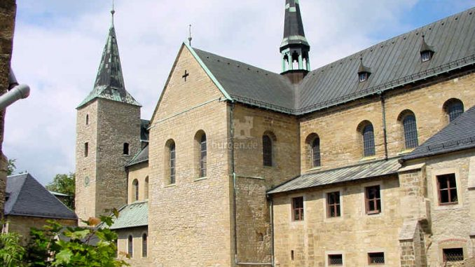Huysburg_Kirche-Seitenansicht_0061
