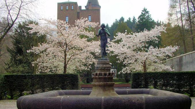 Schloss-Landsberg_Brunnen_0056