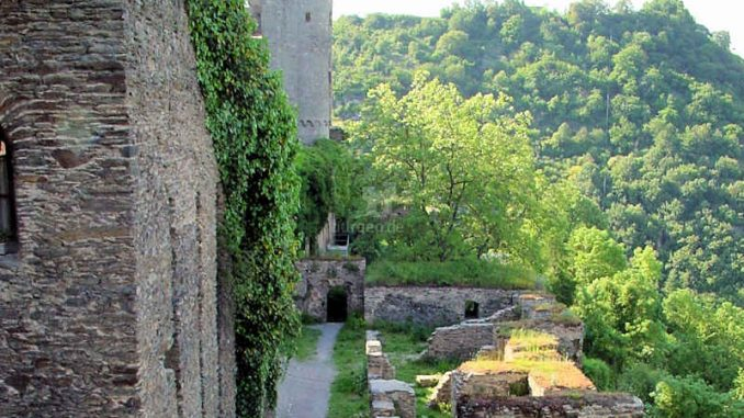 Burg-Rheinfels_Bollwerk_0002