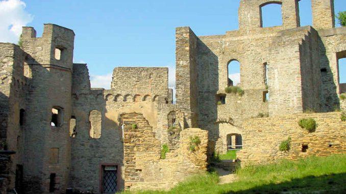 Burg-Rheinfels_Details-innen_0001