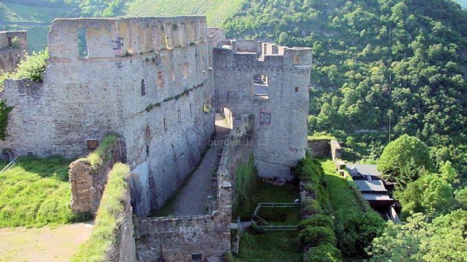 Burg-Rheinfels_Schildwall_0015