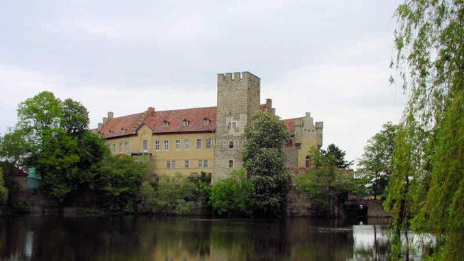 Schloss-Flechtingen_Bergfried_0099