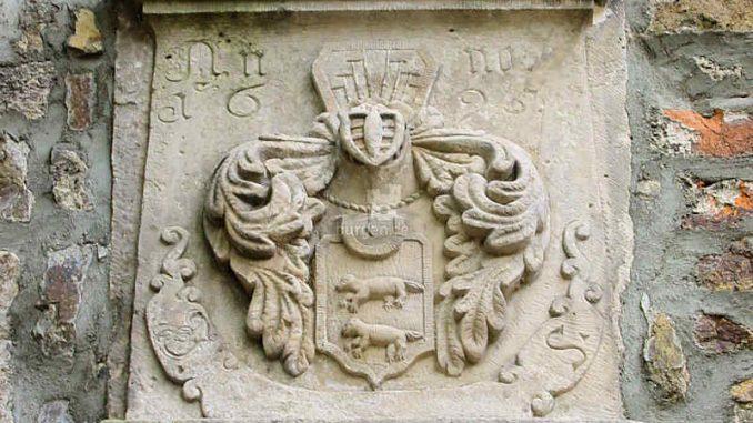 Schloss-Flechtingen_Wappen_0094