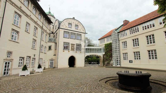 Schloss-Gifhorn_Innenof-2_4025