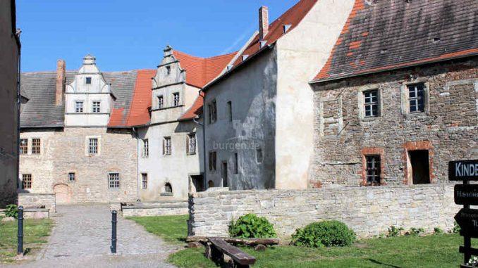 Schloss-Ploetzkau_Innenhof_3837