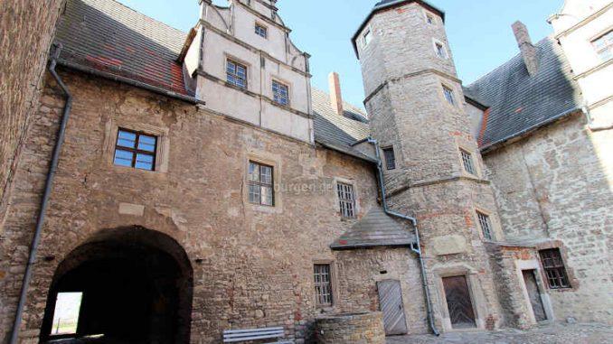 Schloss-Ploetzkau_Innenhof_3844